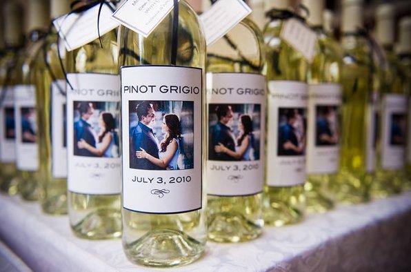 wine bottle wedding favors - Einstein Wine House